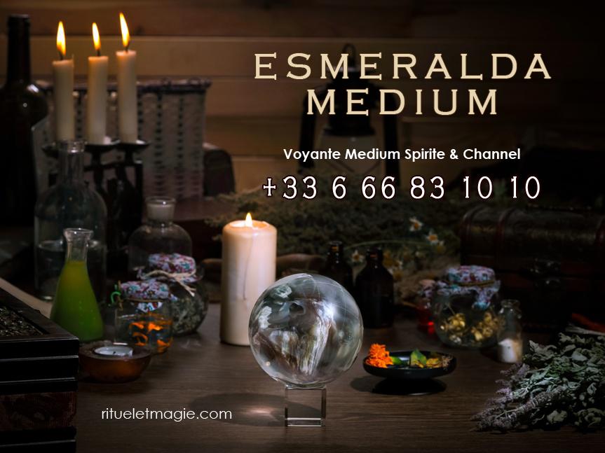 Esmeralda médium