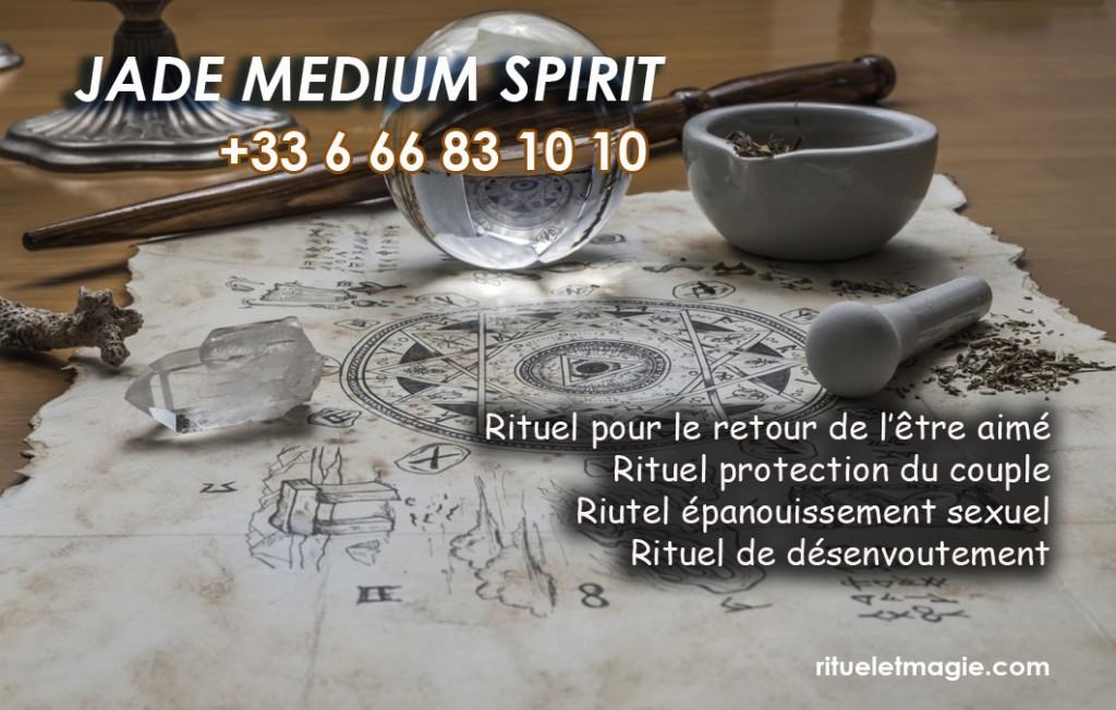 Jade médium spirite